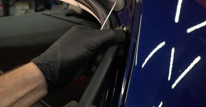 Kuinka poistaa VW PASSAT 2.0 TDI 4motion 2009 -auton Takaluukun Kaasujousi - helposti seurattavat online-ohjeet