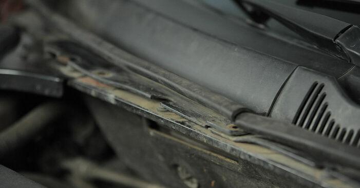 Wie schwer ist es, selbst zu reparieren: Innenraumfilter Ford Mondeo bwy ST220 3.0 2006 Tausch - Downloaden Sie sich illustrierte Anleitungen