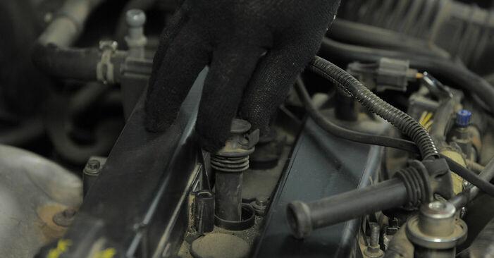Zündkerzen Ihres Ford Mondeo bwy 1.8 SCi 2000 selbst Wechsel - Gratis Tutorial