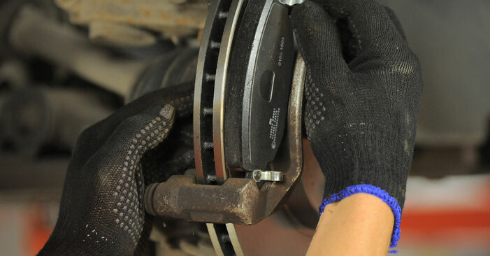 How to change Brake Pads on FORD MONDEO III Estate (BWY) 2004 - tips and tricks