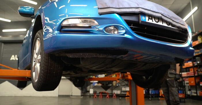 Wechseln Ölfilter am HONDA INSIGHT (ZE_) 1.3 Hybrid (ZE2) 2012 selber