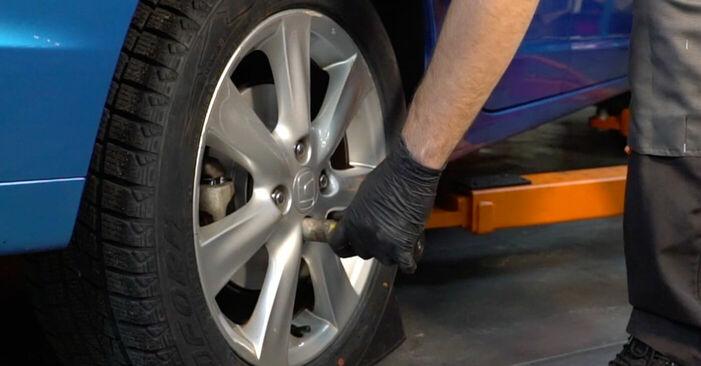 Bremsscheiben Honda Insight ZE2/ZE3 1.3 Hybrid (ZE28, ZE2) 2011 wechseln: Kostenlose Reparaturhandbücher