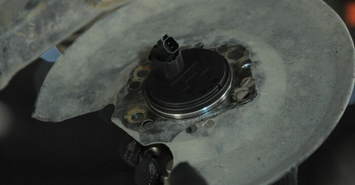 Ford Mondeo bwy 2.0 TDCi 2002 Lozisko kolesa výmena: bezplatné návody z našej dielne