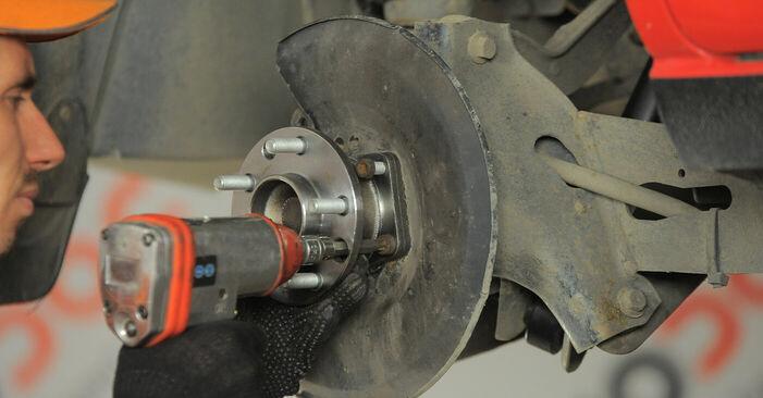 Aké náročné to je, ak to budete chcieť urobiť sami: Lozisko kolesa výmena na aute Ford Mondeo bwy ST220 3.0 2006 – stiahnite si ilustrovaný návod