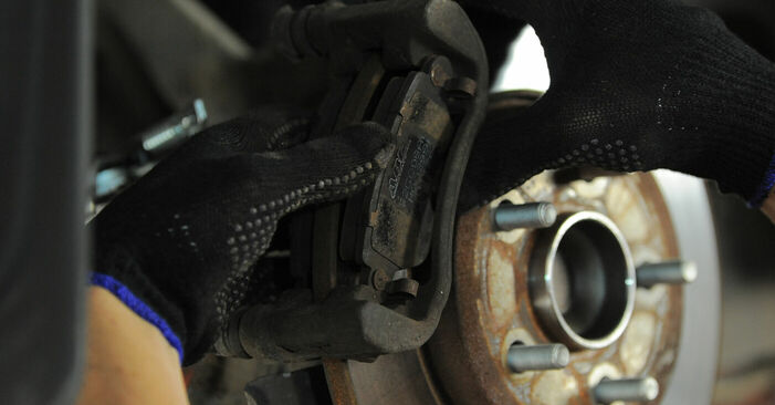 Ako vymeniť Lozisko kolesa na FORD MONDEO III Kombi (BWY) 2004 – tipy a triky