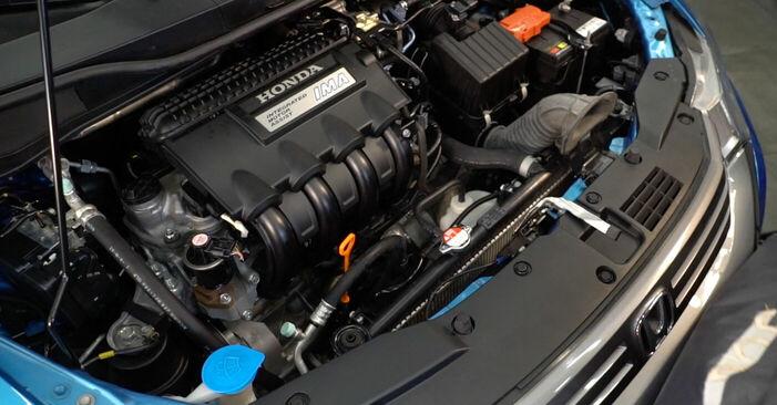 Wie Zündkerzen Honda Insight ZE2/ZE3 1.3 Hybrid (ZE28, ZE2) 2009 tauschen - Kostenlose PDF- und Videoanleitungen