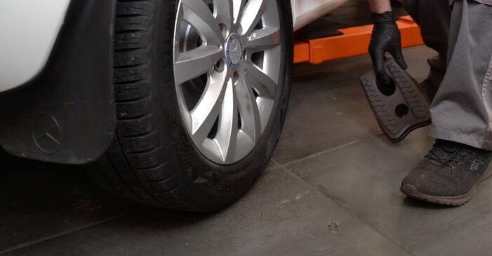 Federn Ihres Mercedes W245 B 170 NGT 2.0 (245.233) 2006 selbst Wechsel - Gratis Tutorial