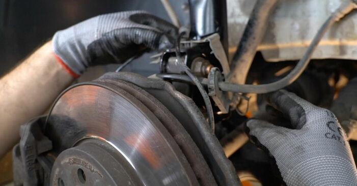Schritt-für-Schritt-Anleitung zum selbstständigen Wechsel von Mercedes W245 2011 B 150 1.5 (245.231) Federn