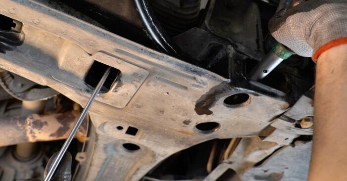 Wie schwer ist es, selbst zu reparieren: Querlenker Mercedes W245 B 180 1.7 (245.232) 2010 Tausch - Downloaden Sie sich illustrierte Anleitungen
