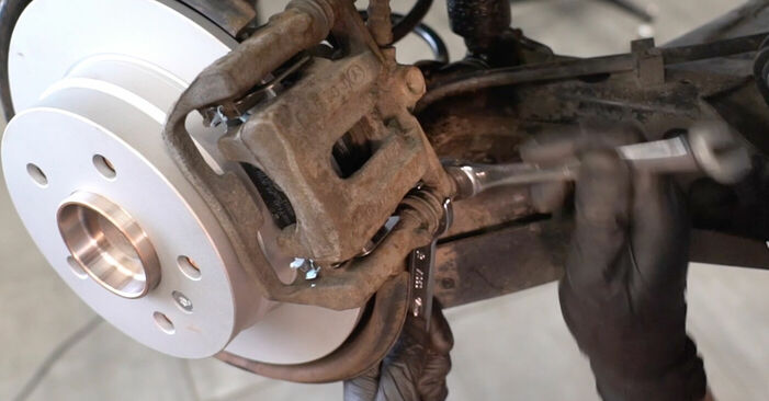 Radlager Mercedes W245 B 170 1.7 (245.232) 2006 wechseln: Kostenlose Reparaturhandbücher