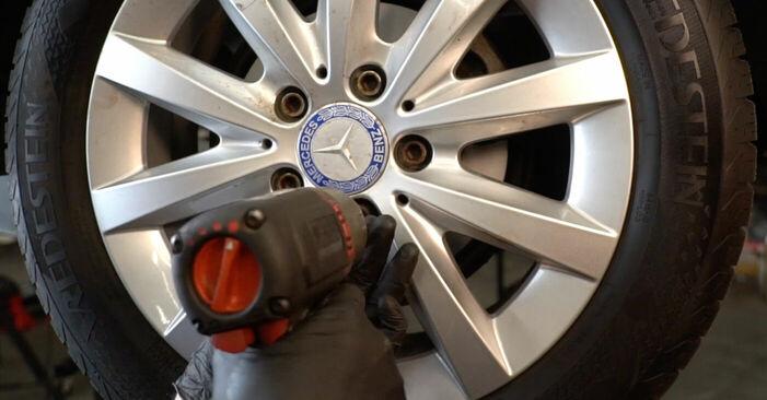Wie schwer ist es, selbst zu reparieren: Radlager Mercedes W245 B 180 1.7 (245.232) 2010 Tausch - Downloaden Sie sich illustrierte Anleitungen