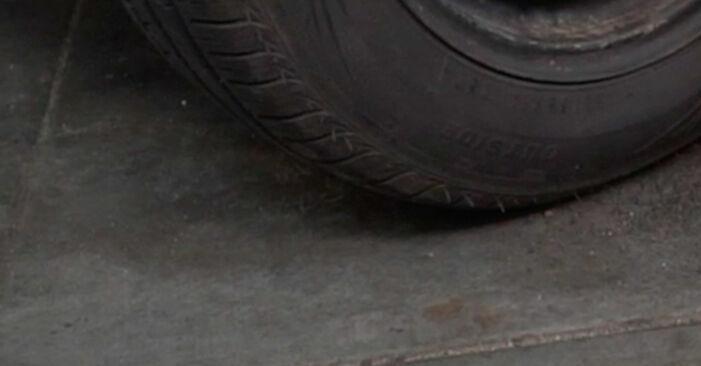 Bremsscheiben beim MERCEDES-BENZ C-CLASS C 280 2.8 (202.028) 2000 selber erneuern - DIY-Manual