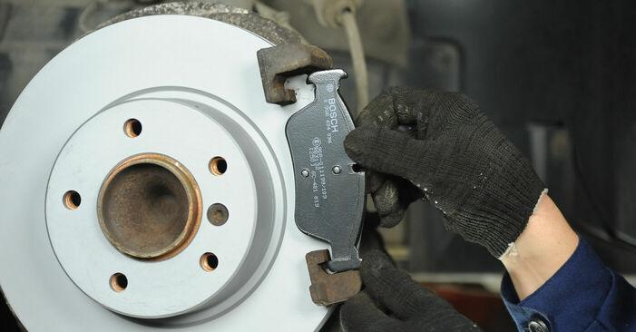 Wie Bremsbeläge BMW E90 320d 2.0 2001 tauschen - Kostenlose PDF- und Videoanleitungen
