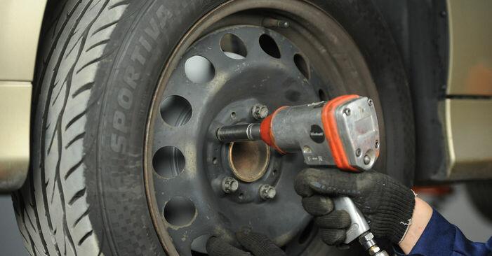 Bremsbeläge beim BMW 3 SERIES 320d 2.0 2008 selber erneuern - DIY-Manual