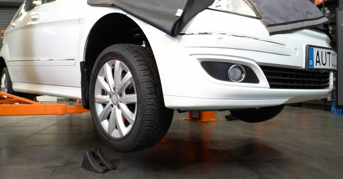 Changing Brake Pads on MERCEDES-BENZ B-Class (W245) B 200 2.0 (245.233) 2008 by yourself