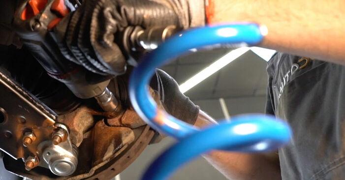 Tausch Tutorial Bremsscheiben am MERCEDES-BENZ B-CLASS (W245) 2010 wechselt - Tipps und Tricks