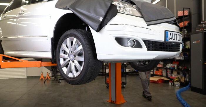 Wie Bremsscheiben Mercedes W245 B 180 CDI 2.0 (245.207) 2005 tauschen - Kostenlose PDF- und Videoanleitungen