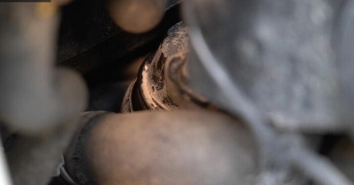 Ölfilter Mercedes W245 B 170 1.7 (245.232) 2006 wechseln: Kostenlose Reparaturhandbücher