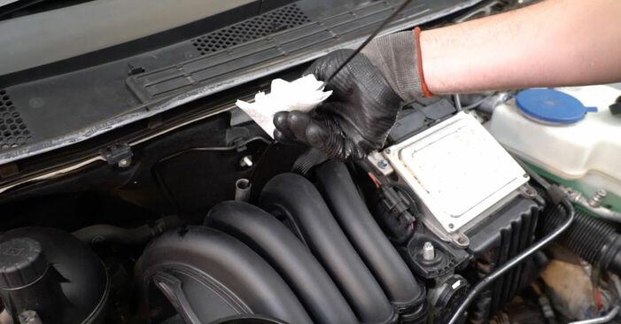 Austauschen Anleitung Ölfilter am Mercedes W245 2005 B 180 CDI 2.0 (245.207) selbst