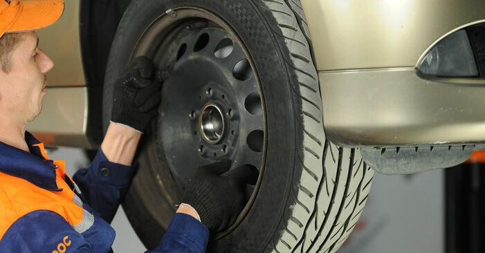 Spurstangenkopf BMW E90 318d 2.0 2008 wechseln: Kostenlose Reparaturhandbücher