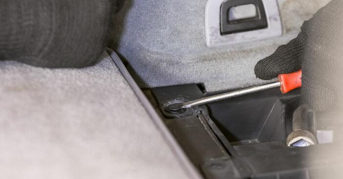 Tausch Tutorial Domlager am BMW X5 (E53) 2004 wechselt - Tipps und Tricks