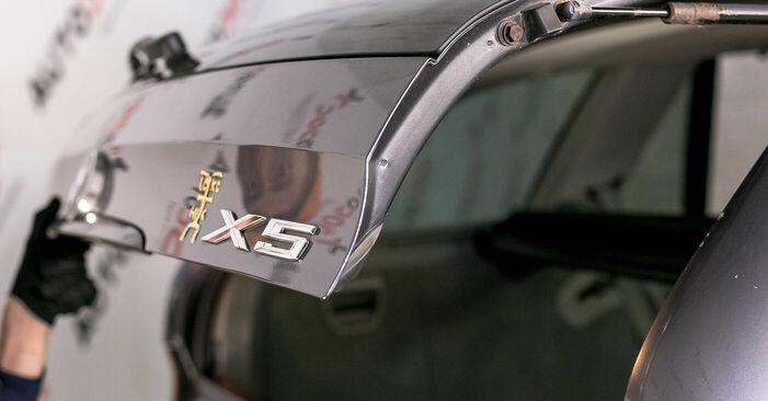 Wie Domlager BMW X5 (E53) 3.0 i 2001 austauschen - Schrittweise Handbücher und Videoanleitungen