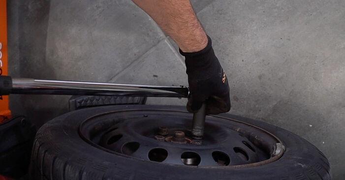 Quanto è difficile il fai da te: sostituzione Pastiglie Freno su Toyota Aygo ab1 1 2011 - scarica la guida illustrata