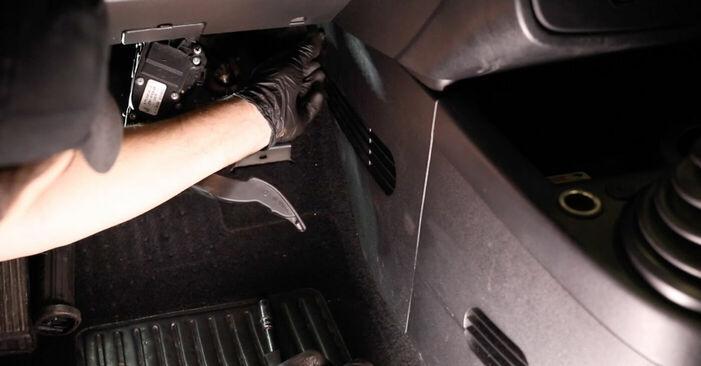 Önálló Ford Fiesta V jh jd 2001 1.4 TDCi Utastér levegő szűrő csere