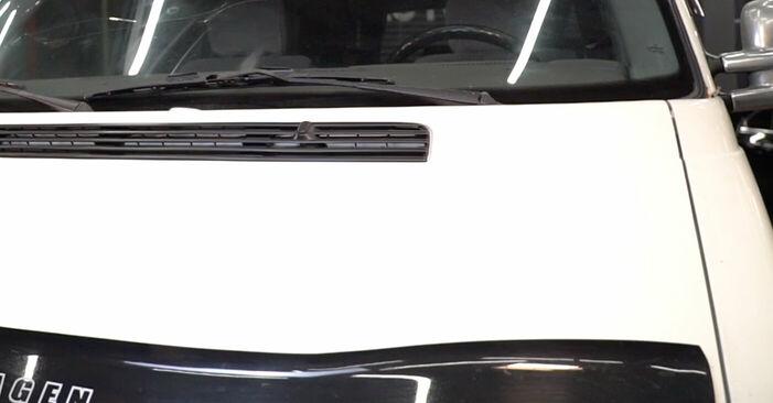 Sostituzione di VW TRANSPORTER 1.9 TD Filtro Antipolline: guide online e tutorial video