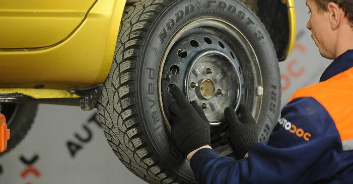 Bremsbacken Ihres Toyota Yaris p1 1.3 (SCP12_) 2000 selbst Wechsel - Gratis Tutorial