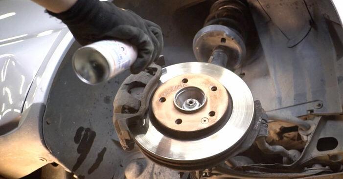 Wie schwer ist es, selbst zu reparieren: Domlager Mercedes W168 A 160 CDI 1.7 (168.006) 2003 Tausch - Downloaden Sie sich illustrierte Anleitungen