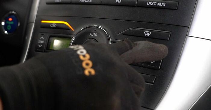 Kui kaua kulub välja vahetamisele: sõiduki Toyota Auris e15 2007 Salongifilter - informatiivne kasutusjuhend PDF vormis