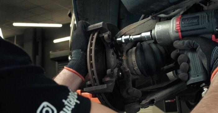 Schritt-für-Schritt-Anleitung zum selbstständigen Wechsel von Ford Fiesta V jh jd 2004 ST150 2.0 Bremsscheiben