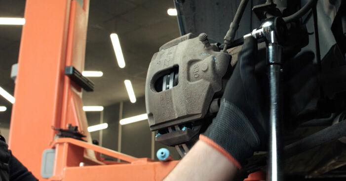 FORD FIESTA 1.4 16V Bremsscheiben ausbauen: Anweisungen und Video-Tutorials online
