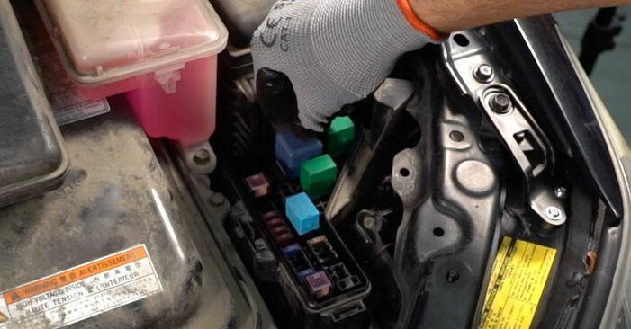 Bremsscheiben beim LEXUS RX 350 3.5 (GSU35_) 2004 selber erneuern - DIY-Manual
