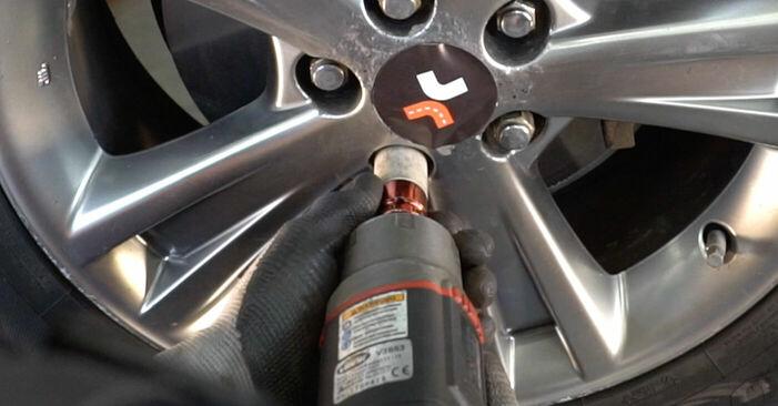 Αντικαθιστώντας μόνοι σας Τακάκια Φρένων στο Lexus RX XU30 2007 3.3 400h AWD