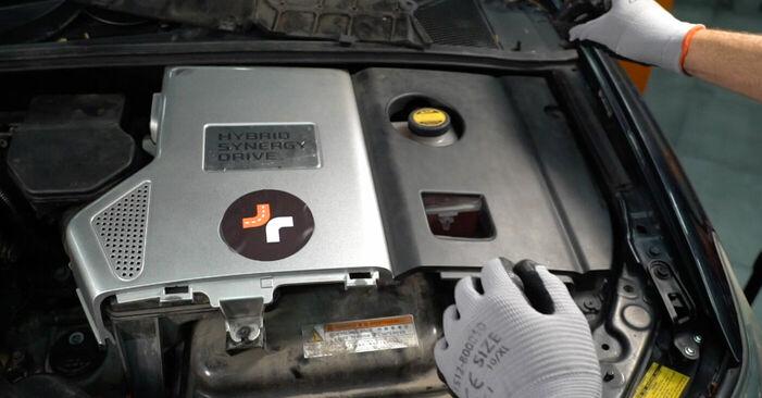 Πώς να αντικαταστήσετε LEXUS RX (MHU3_, GSU3_, MCU3_) 3.3 400h AWD 2004 Τακάκια Φρένων - εγχειρίδια βήμα προς βήμα και οδηγοί βίντεο