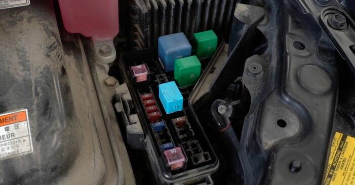 Bremsscheiben am LEXUS RX (MHU3_, GSU3_, MCU3_) 330 AWD (MCU38) 2008 wechseln – Laden Sie sich PDF-Handbücher und Videoanleitungen herunter