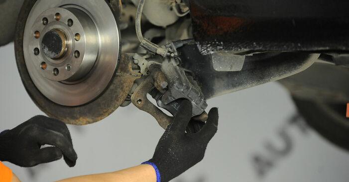 VW GOLF 2003 Wiellager stap voor stap instructies voor vervanging
