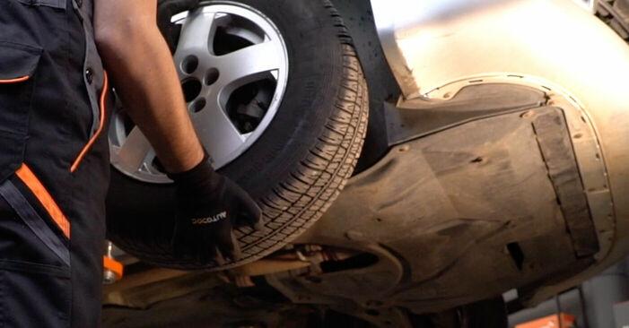 SKODA FABIA 1.4 Bremsscheiben ausbauen: Anweisungen und Video-Tutorials online