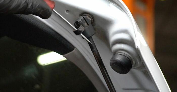 Heckklappendämpfer Opel Zafira f75 2.2 DTI 16V (F75) 2001 wechseln: Kostenlose Reparaturhandbücher