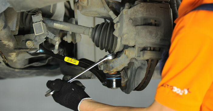 Tausch Tutorial Querlenker am BMW X3 (E83) 2006 wechselt - Tipps und Tricks