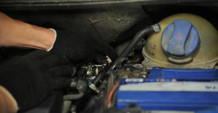 VW SHARAN 1.8 T 20V Kraftstofffilter ausbauen: Anweisungen und Video-Tutorials online