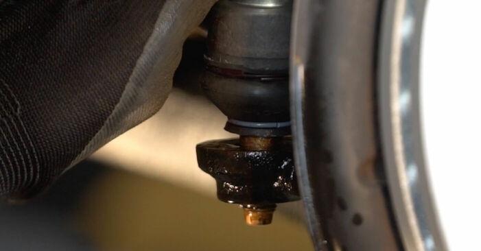 Wie schwer ist es, selbst zu reparieren: Radlager VW Sharan 1 2.8 V6 24V 2001 Tausch - Downloaden Sie sich illustrierte Anleitungen