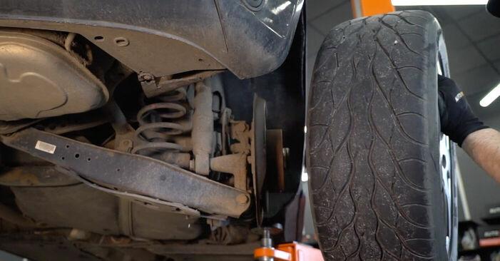 Så byter du Bromsbelägg på VW Golf V Hatchback (1K1) 2008: ladda ned PDF-manualer och videoinstruktioner