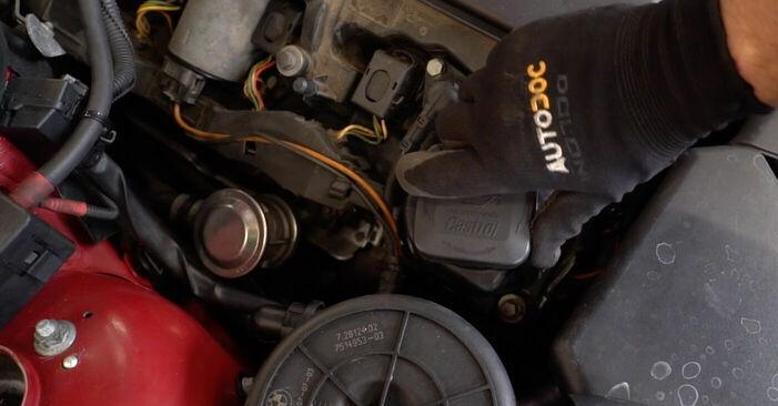 Tausch Tutorial Zündkerzen am BMW 3 Convertible (E46) 2002 wechselt - Tipps und Tricks