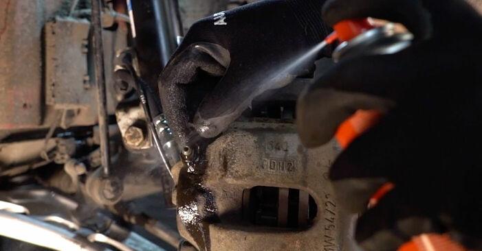 Bremsschläuche Ihres BMW e46 Cabrio 330Ci 3.0 1998 selbst Wechsel - Gratis Tutorial