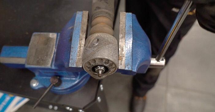 Stufenweiser Leitfaden zum Teilewechsel in Eigenregie von Skoda Fabia 6y5 2002 1.4 TDI Domlager