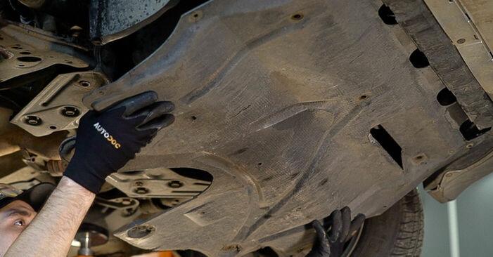 Wechseln Getriebeöl und Verteilergetriebeöl am SKODA Fabia I Combi (6Y5) 1.4 2002 selber