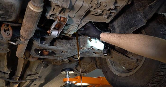 Getriebeöl und Verteilergetriebeöl beim SKODA FABIA 1.9 TDI 2006 selber erneuern - DIY-Manual